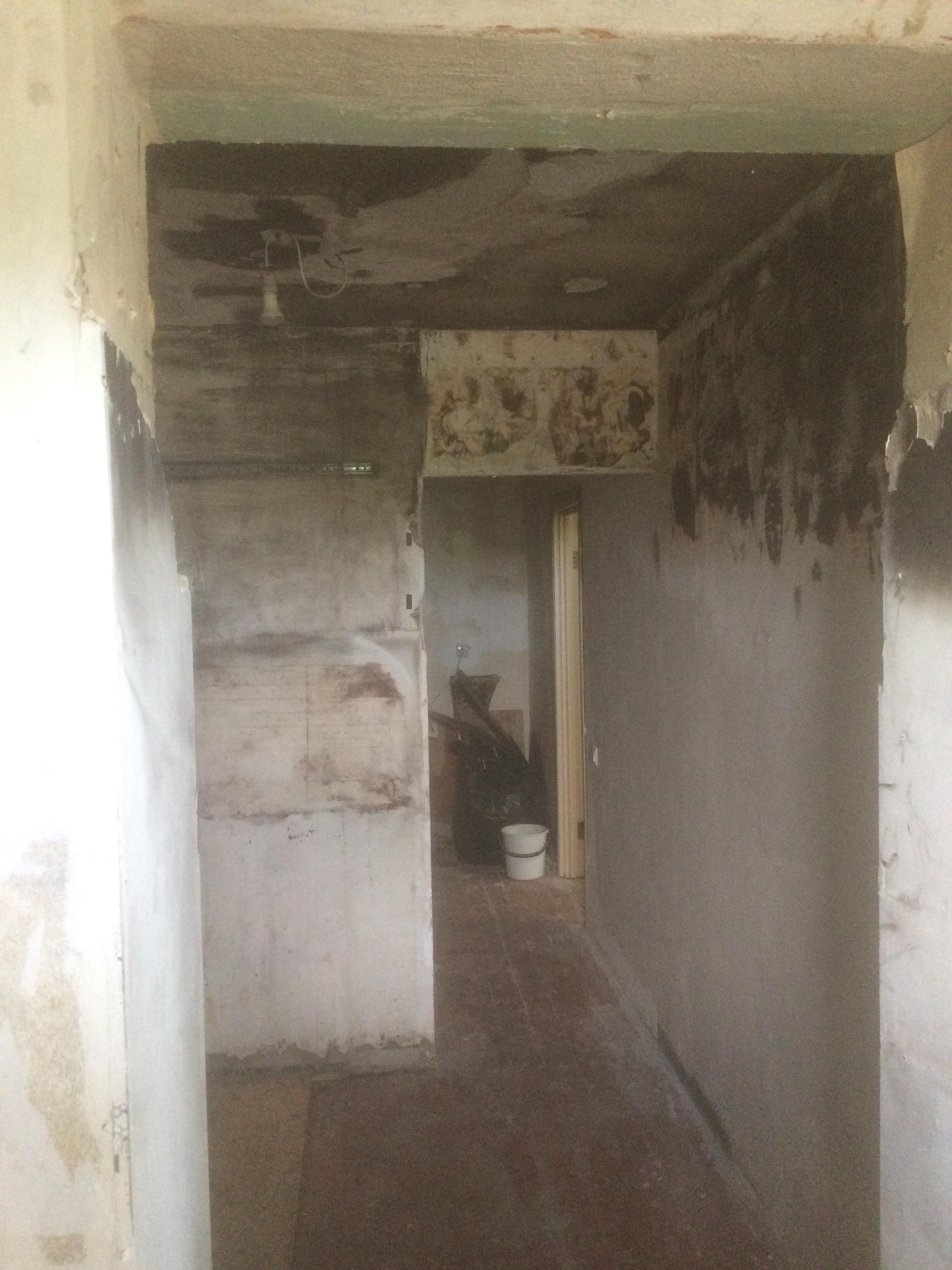 коридор 2 после пожара ремонт квартир в Севастополе